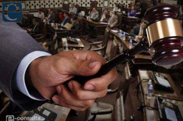 Arremeten contra la CNDH por exhibir al Congreso en la Corte