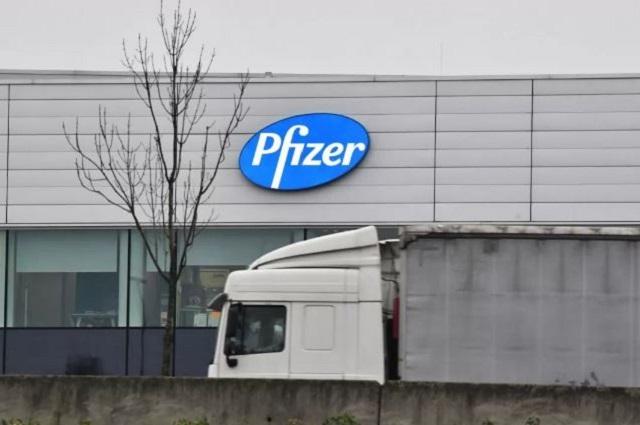 Pfizer denuncia página falsa que ofrece vacunas anti Covid