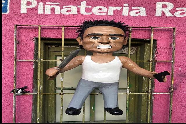 Crean piñata de asaltante de combi;  con video te enseñan cómo romperla