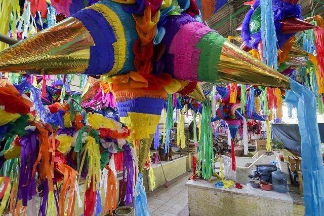 Ganancias de piñateros de Atlixco se esfuman por repunte de Covid