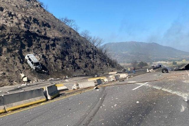 Explota pipa de gas en autopista de Tepic; hay 12 muertos