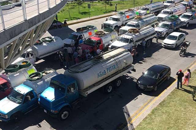 Protesta de piperos contra robos  colapsa bulevares en Angelópolis