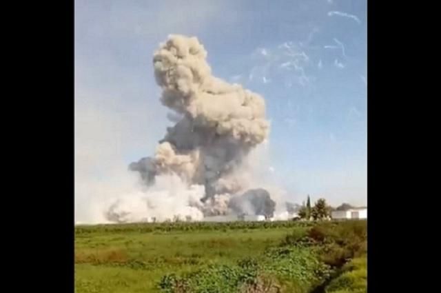 Explota polvorín en Tultepec, en la zona de La Saucera