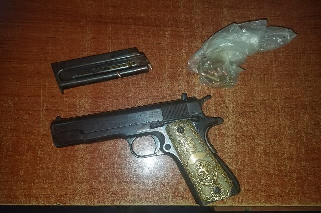 Con tres armas de fuego detienen a hombre en Francisco Z. Mena