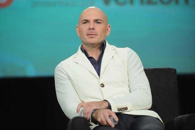 Pitbull responde ante demanda de congresista en Florida