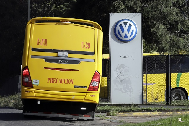Sanciones para VW si no respetó decreto: Barbosa