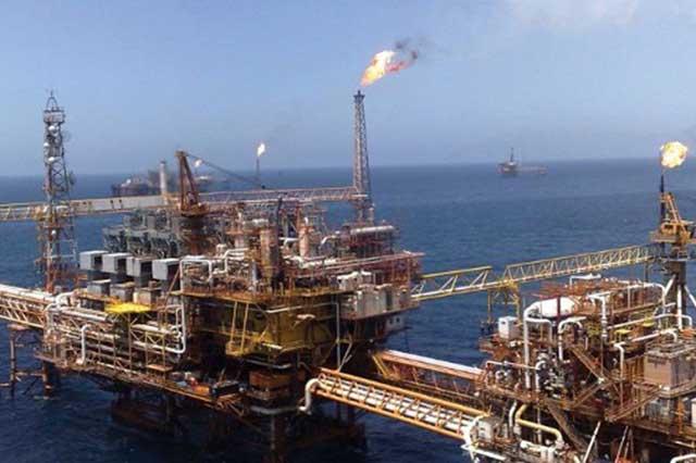 Peña Nieto anuncia nuevo yacimiento petrolero en campos terrestres, en Veracruz
