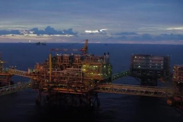 Denuncia AMLO que hasta en las plataformas petroleras hay huachicoleo