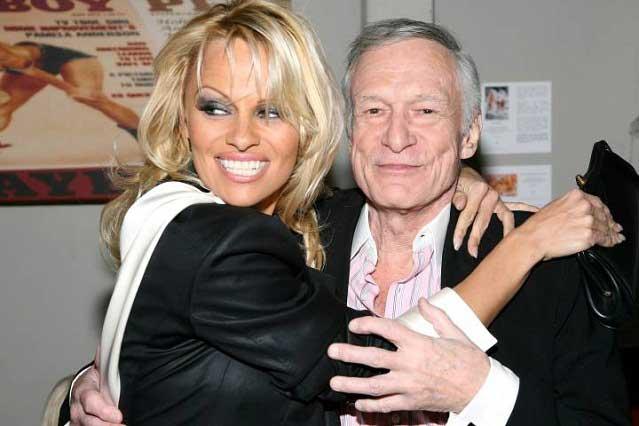 Carmen Electra y otras ex conejitas Playboy se despiden de Hugh Hefner