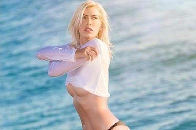 Modelo de Playboy se fue muy sexy y provocativa de compras y le fue mal