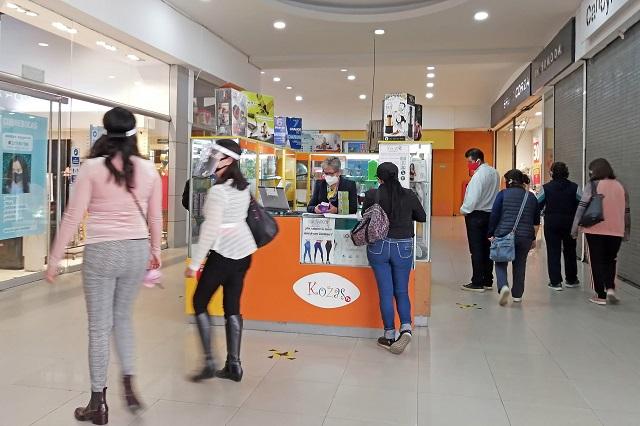 Recortan horario de servicio a centros comerciales por Covid