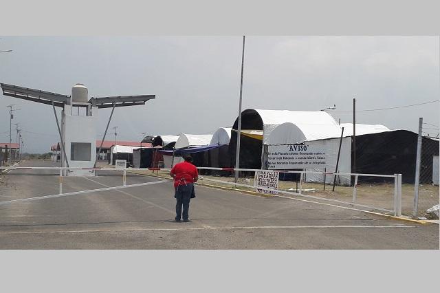 Productores de Atlixco sanitizan plazuela Santa Rita