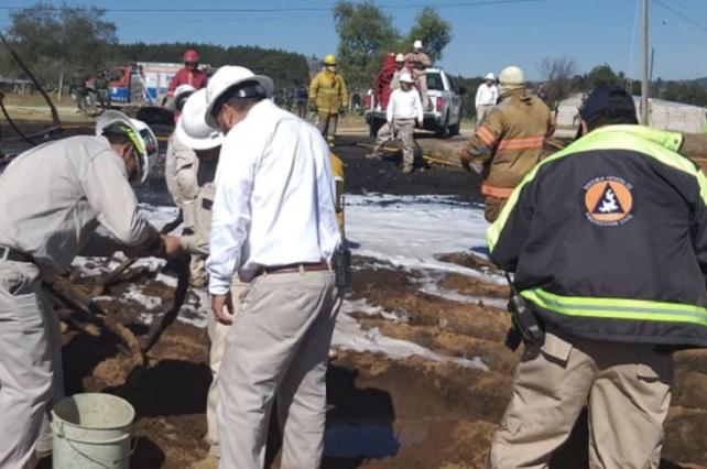 Pemex y PC controlan incendio en ducto de Ahuazotepec