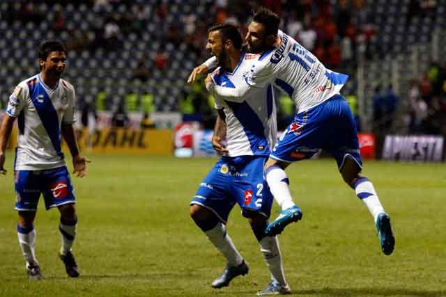 Puebla viene de atrás y empata 2-2 con Toluca en la ida