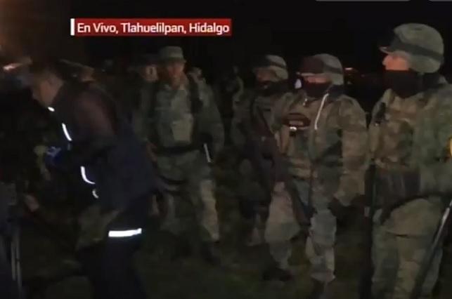 Pobladores intentaron entrar a zona de explosión para buscar cuerpos