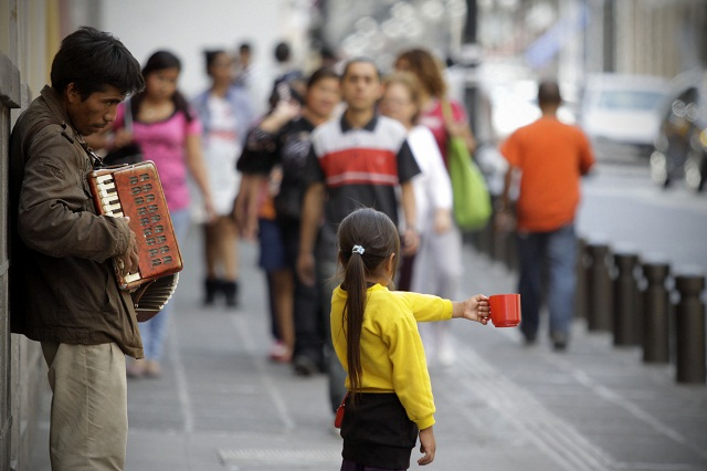 Exige la Ibero acciones concretas contra rezago educativo