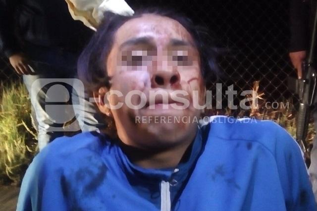 Taxistas capturan a presunto asaltante de un compañero