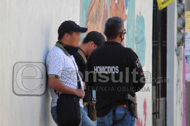 Catean local en el Barrio de Santiago; indagan homicidio