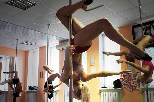 ¿Gimnasia Infantil o Striptease? Escuela de Pole Dance desata escándalo