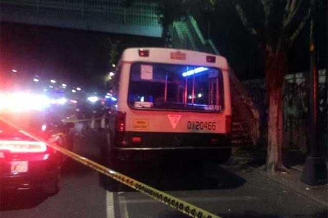 Un policía mata a un delincuente durante asalto a un microbús