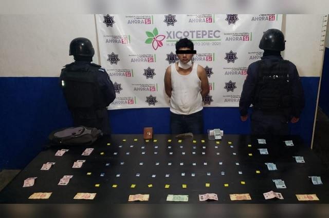 Detienen a hombre con 65 dosis de cristal en Xicotepec