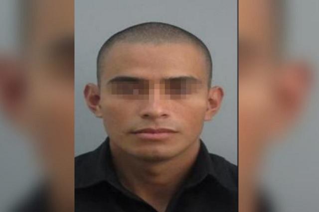 Le roban auto a policía de Puebla y lo abandonan en Veracruz