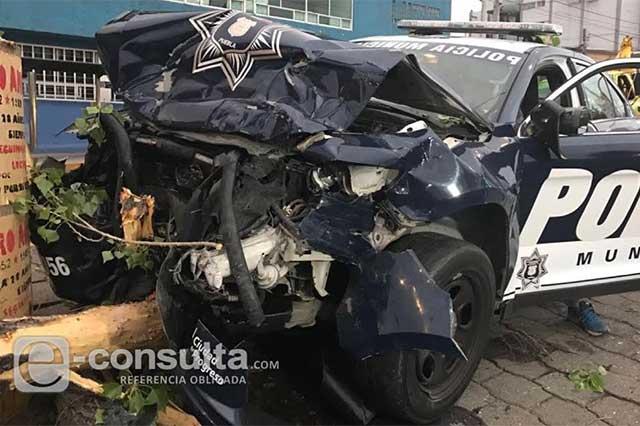 Queda destrozada patrulla de la SSPTM tras choque con un Audi