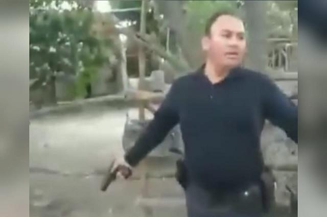 Policía de Tecali en estado de ebriedad disipa riña a balazos