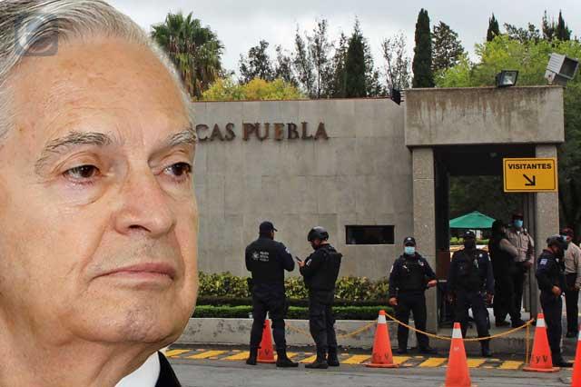 Policía toma la UDLAP; rector denuncia despojo