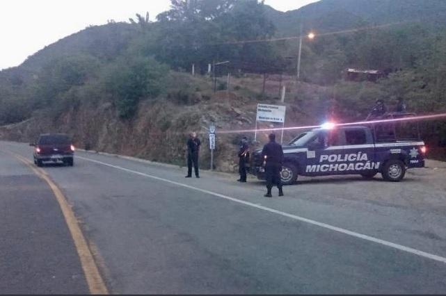 Lamenta AMLO que hayan asesinado a policías en Michoacán