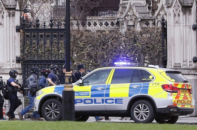 Scotland Yard ve ataque terrorista en tiroteo frente al Parlamento Británico