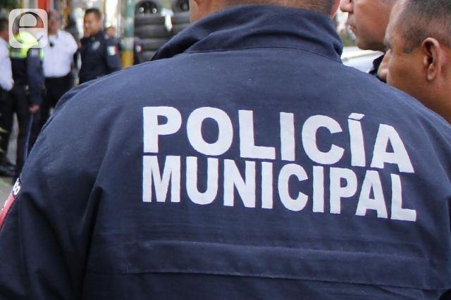 Policías se lanzan contra choferes en Atlixco