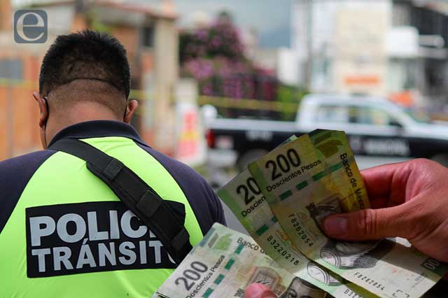 Policías de tránsito los más corruptos en Puebla: encuesta