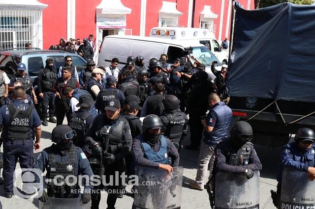 Evalúan a 35 policías de Ciudad Serdán y detienen a mando pirata