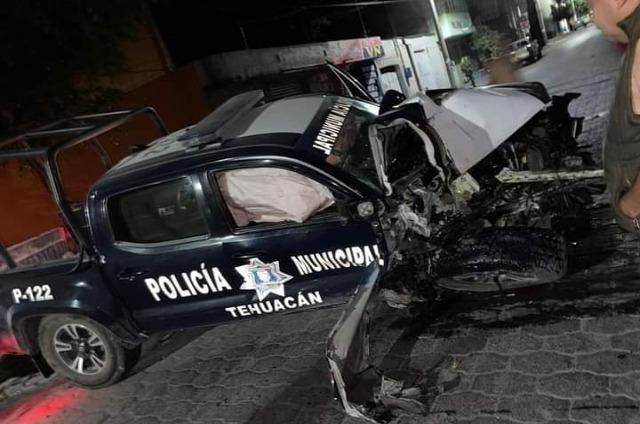Policías de Tehuacán heridos tras chocar en una persecución