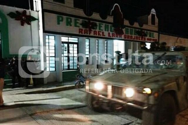 Levantan a dos policías de Grajales al circular en Nopalucan