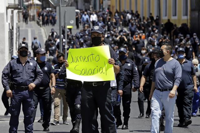 Niegan policías acuerdo con gobierno de 14 % de aumento