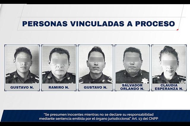 Golpean y roban 5 policías de Puebla a un cuentahabiente