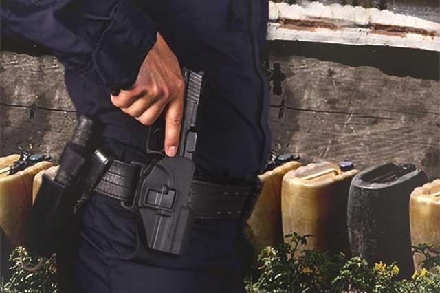 Otra vez detienen a 2 policías de Puebla con huachicol en patrulla