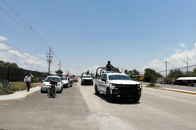 Detienen a ocho policías en Tlacotepec de Benito Juárez
