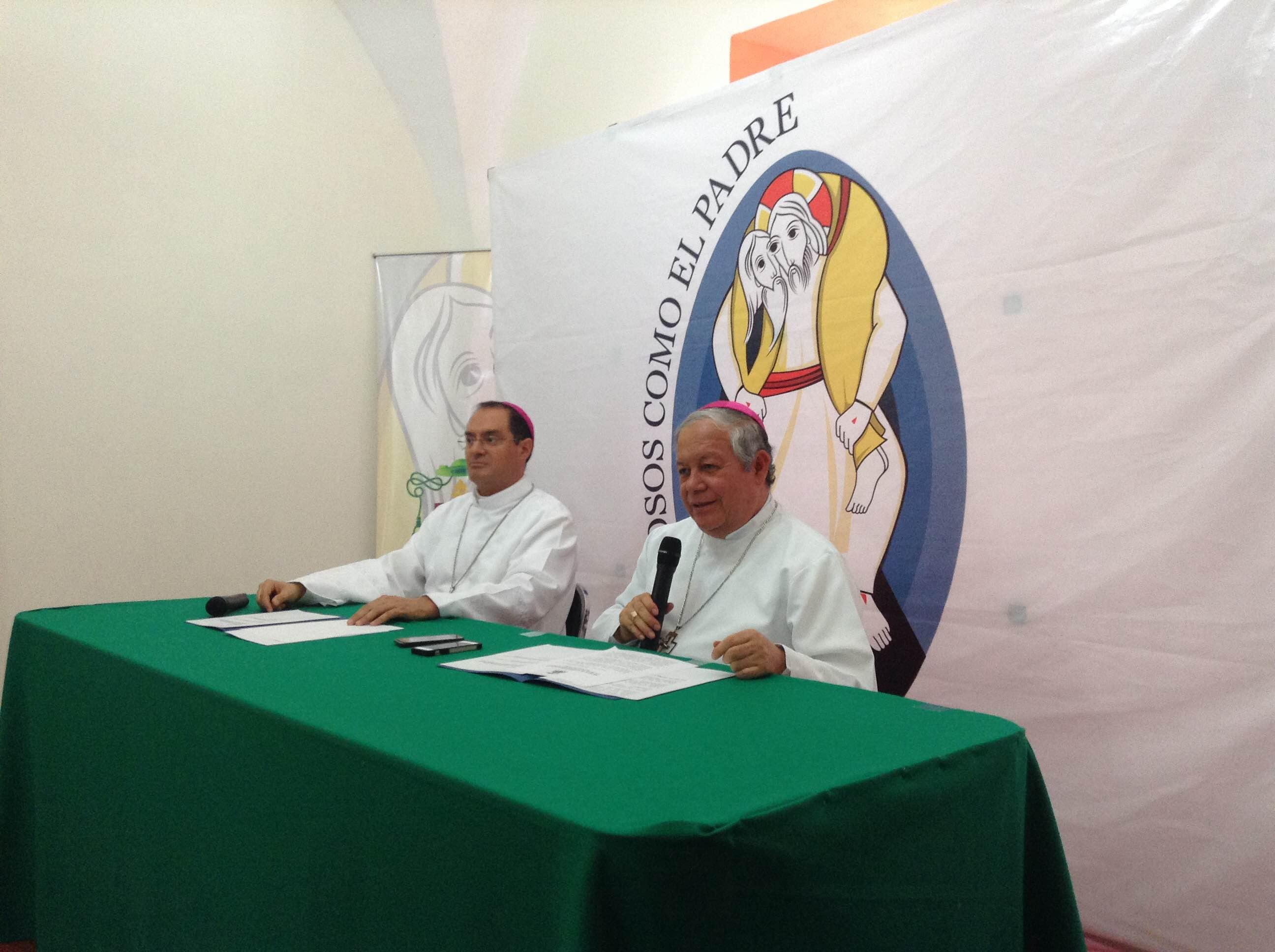 Políticos saben lo que es legal y lo que no, asevera el arzobispo de Puebla