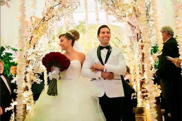 Comparte Poncho De Nigris fotos de su boda con Marcela Mistral