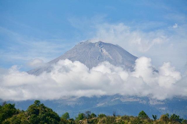 Mantiene actividad menor el volcán Popocatépetl