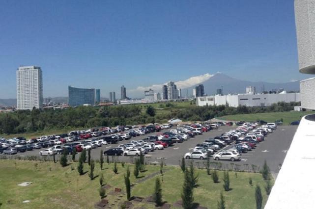 Lanza el Popocatépetl 143 exhalaciones y ceniza