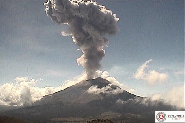 Video: Registra el Popo explosión y lanza columna de 3 mil metros