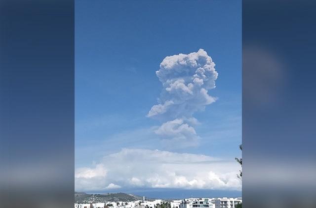Explosión en el Popocatépetl genera columna de ceniza