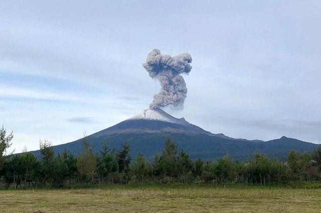 Emite Popo explosión que alcanza una altura de 1.6 kilómetros
