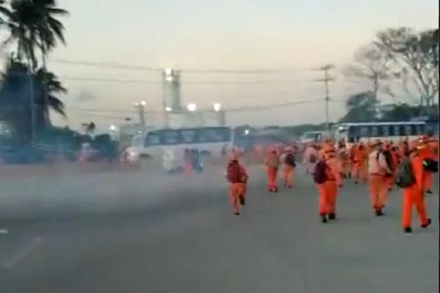 Trabajadores de Dos Bocas en paro denuncian agresiones policiacas