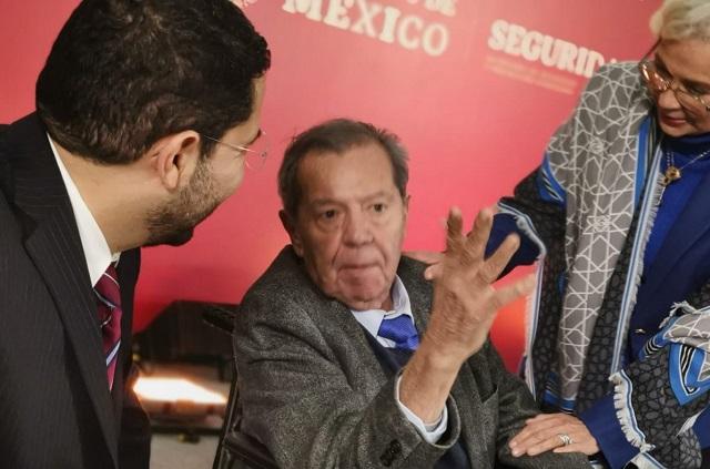Sí hay condiciones para votar la reforma educativa, dice Muñoz Ledo