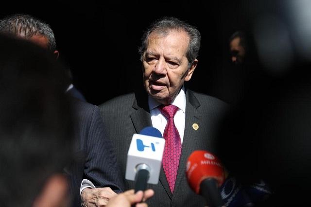 Muñoz Ledo se retira de la presidencia de la Cámara de Diputados